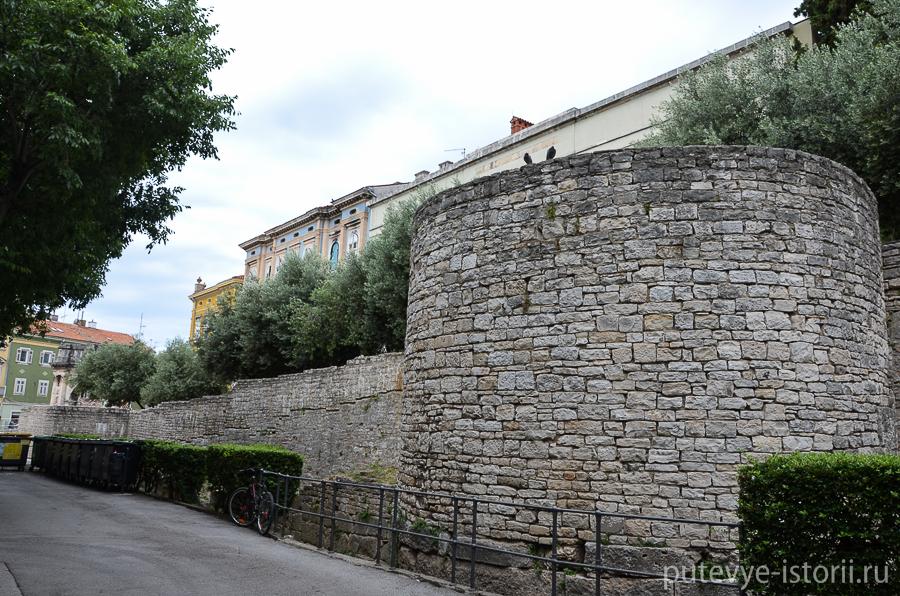 Пула крепостная стена