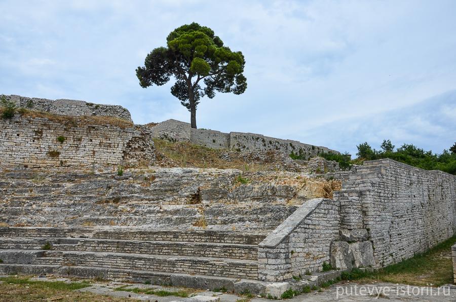 Пула, малый амфитеатр