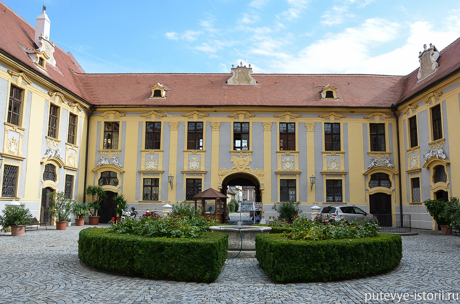 Дюрнштайн монастырь августинцев