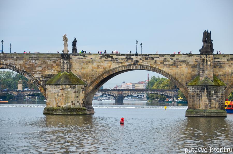 Карлов мост с Влтавы