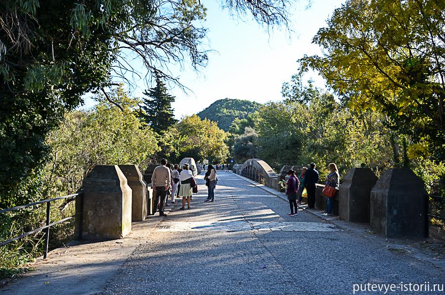 вход в археологическую зону Олимпии