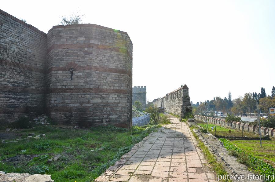 стена Феодосия