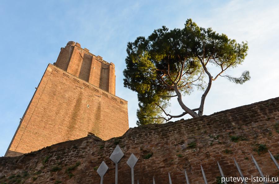 Рим, башня Милиции