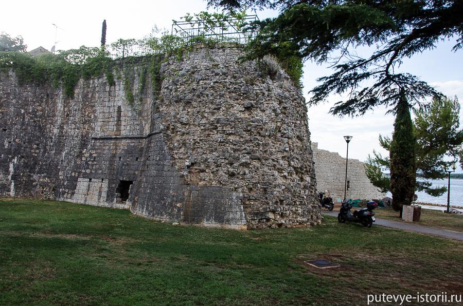Пореч крепостная стена