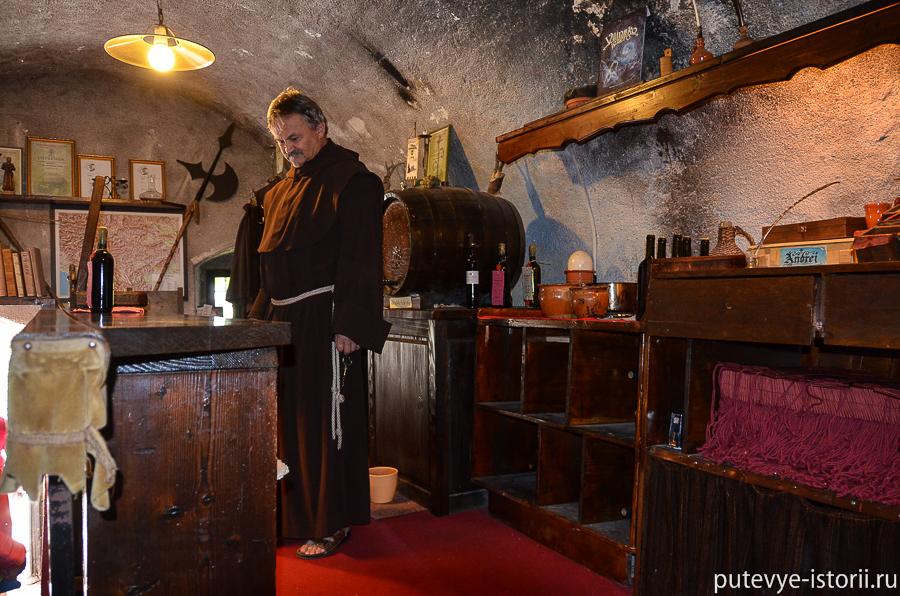 Бледский замок винный погреб
