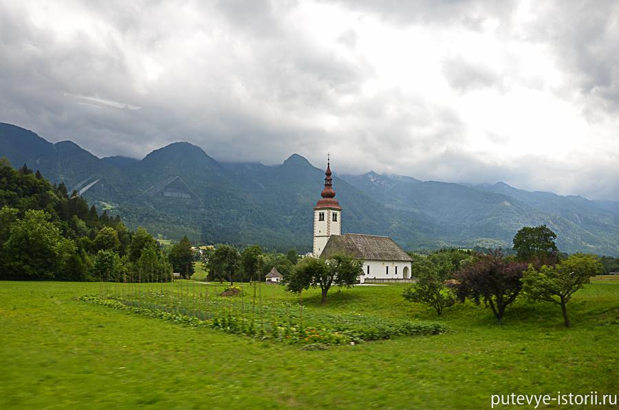 Церковь по дороге