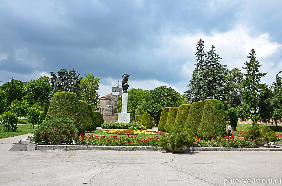 Калемегдан памятник Франции