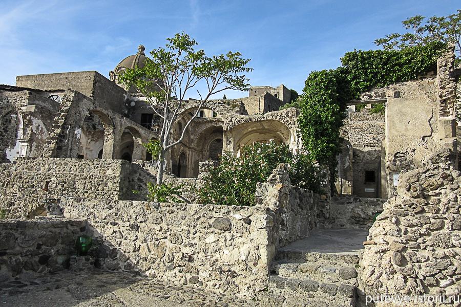 Арагонский замок Искья