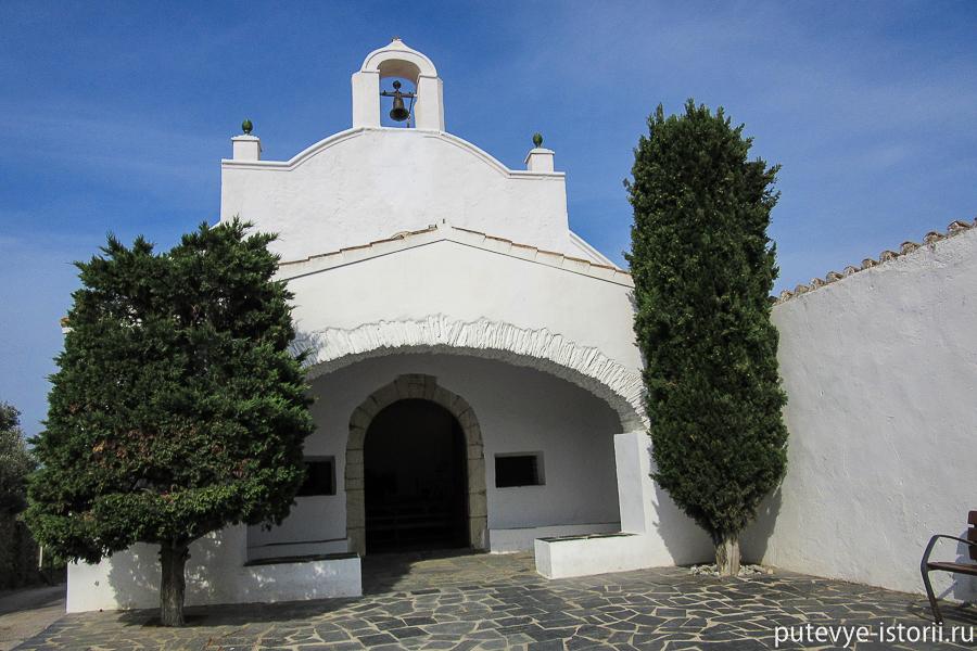 Порт_Льигат церковь