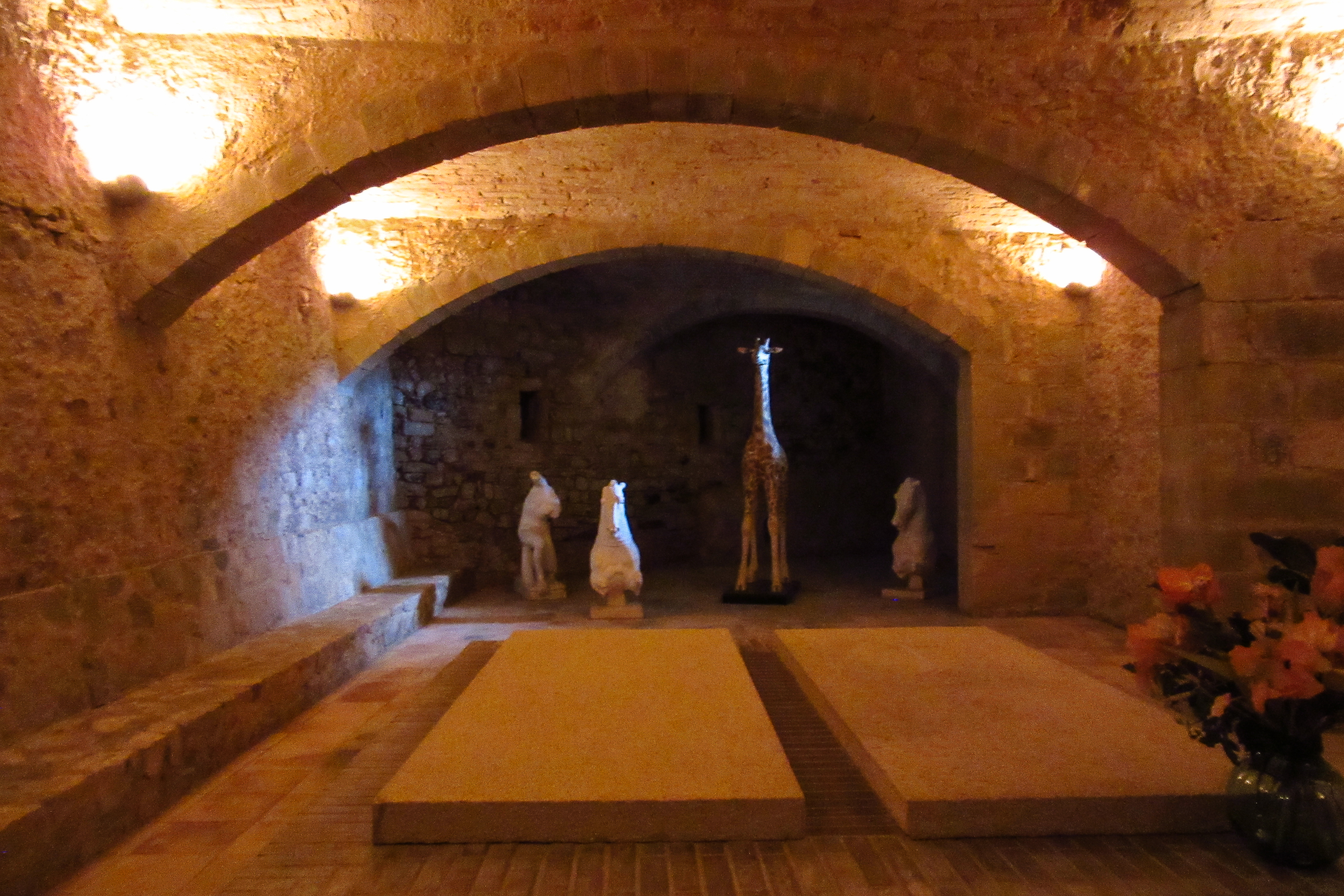 замок Пубол где похоронена Гала Дали