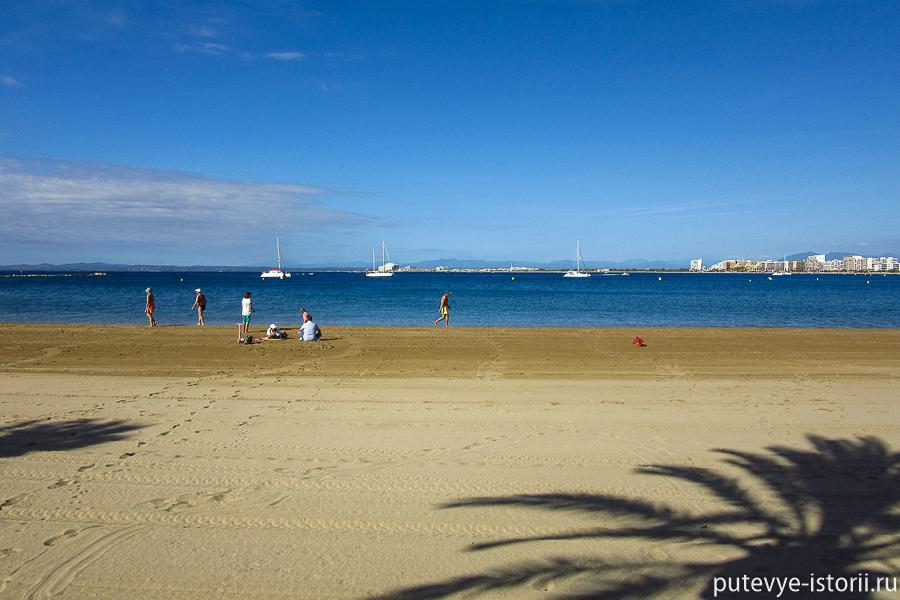 Пляж Росес на Коста-Брава