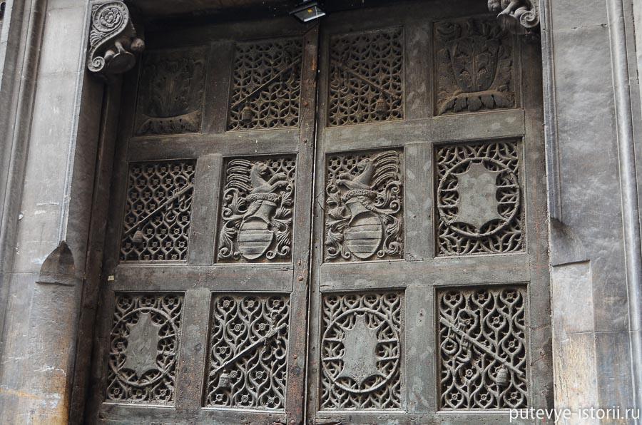 неаполь дворец карафа