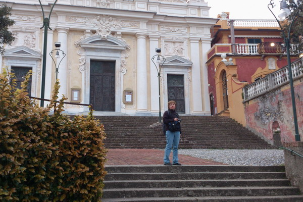 возле церкви Сан-Джакомо ди Корте