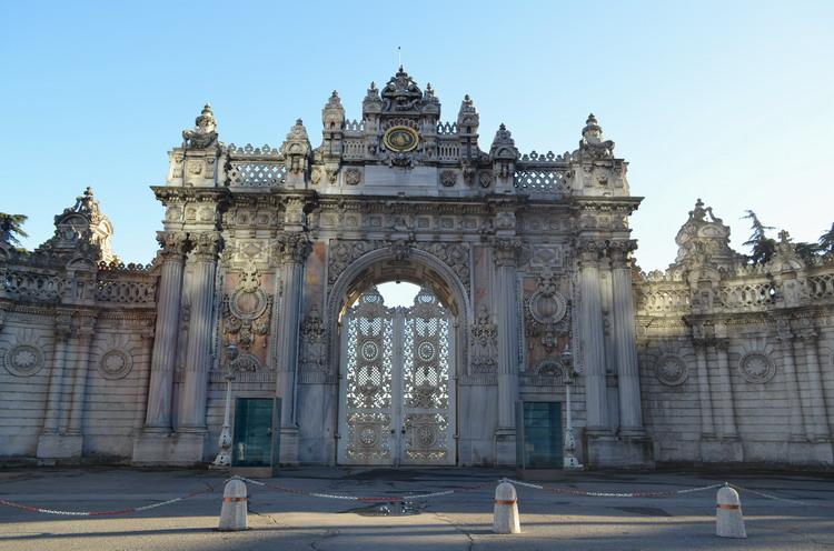 Стамбул дворец Долмабахче