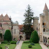 Замок Бори:  любовь или одержимость?