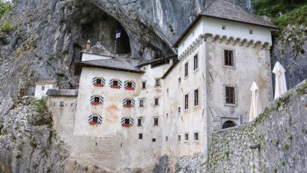 Предъямский замок и его пещеры