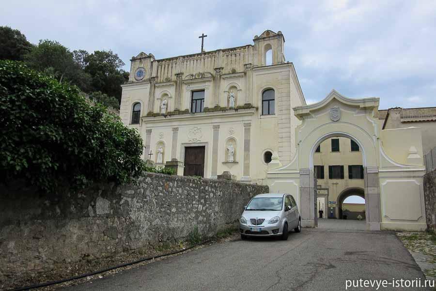 гаэта церковь тринита