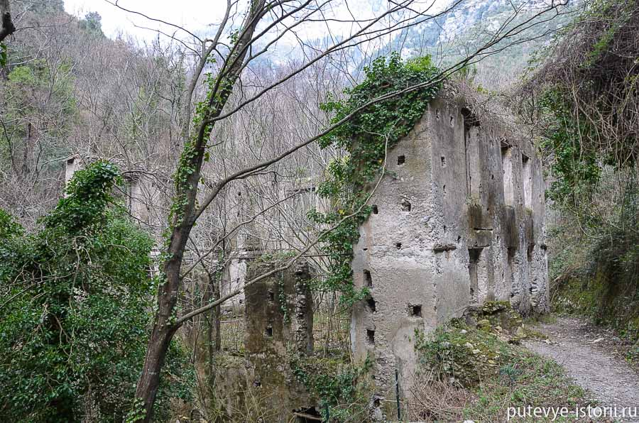 Руины фабрики Нолли