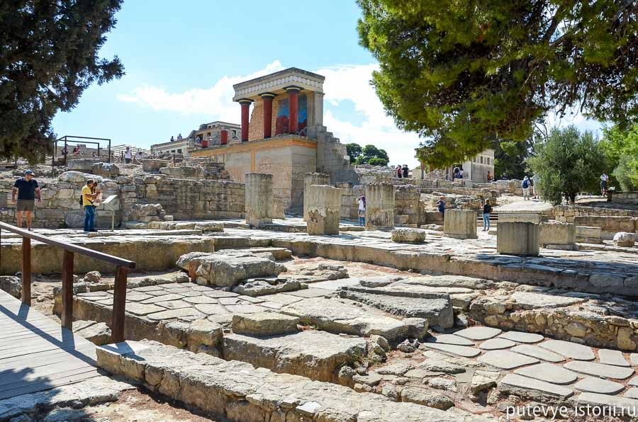 Легендарный Кносский дворец на Крите