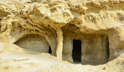 Матала, Крит. Пещерный город хиппи