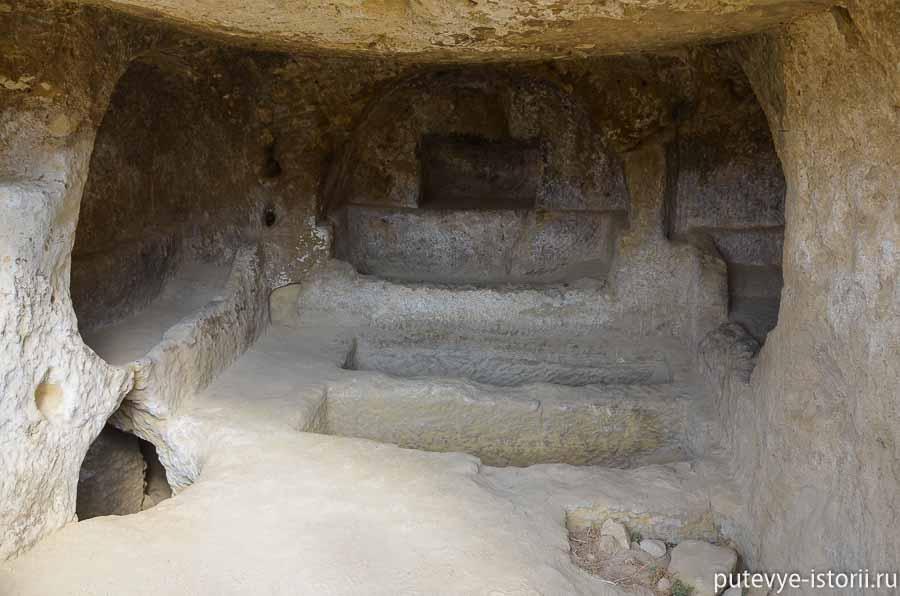 матала пещеры