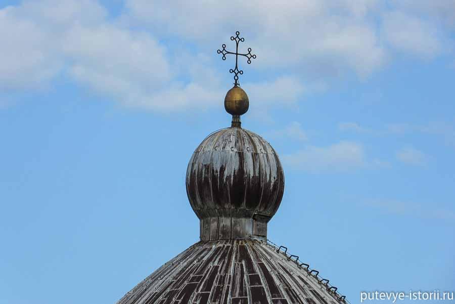 пизанский собор крест на куполе