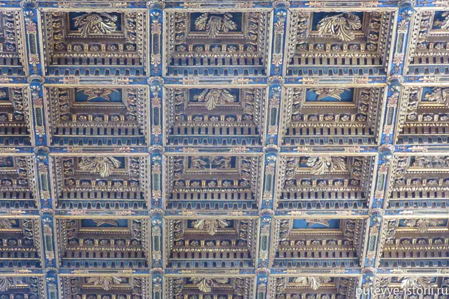 пизанский собор потолок