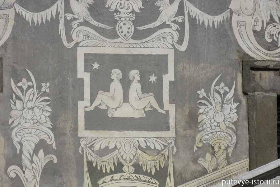 пиза палаццо карована
