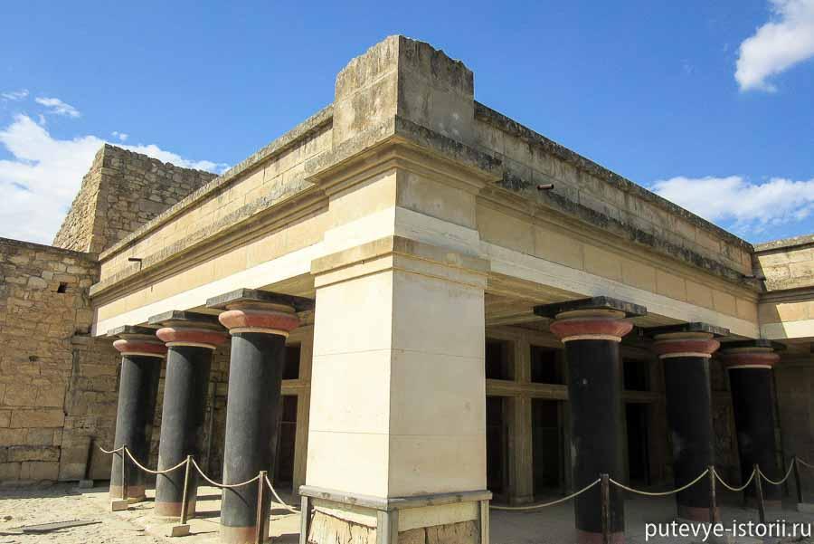 кносский дворец колонны