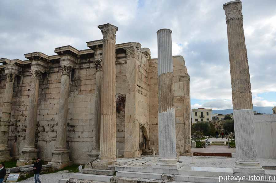 афины библиотека адриана