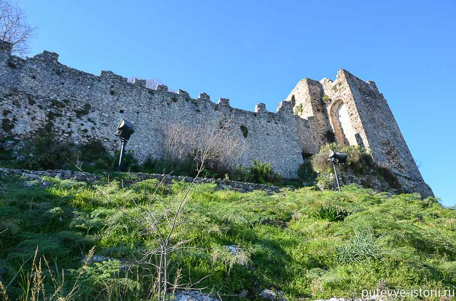мистра замок Виллардуэна