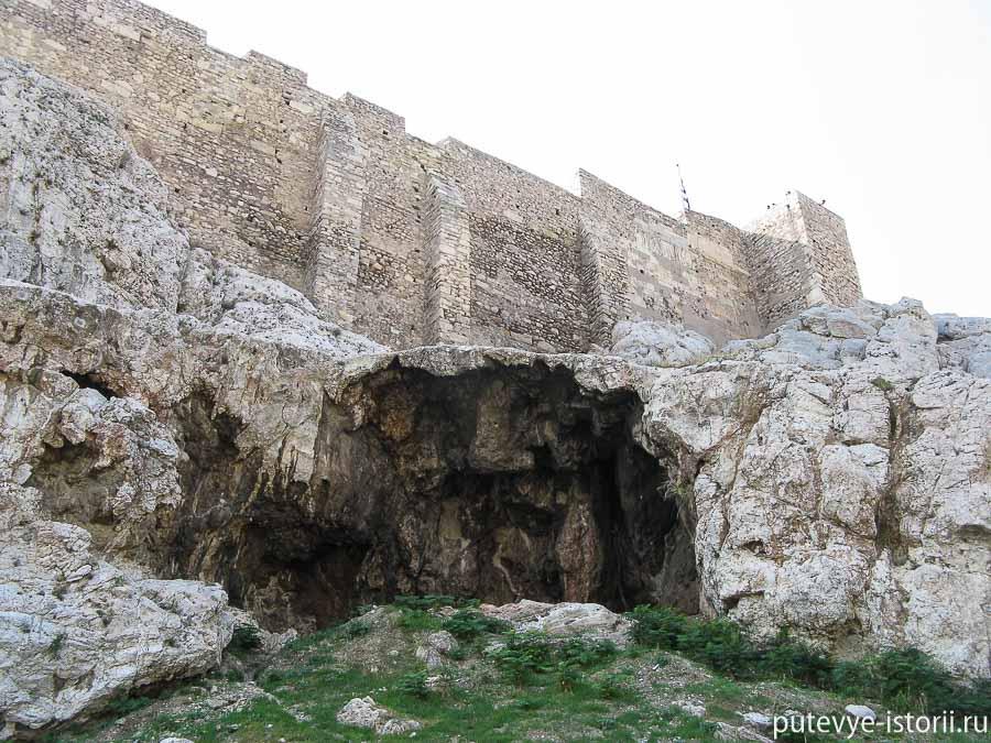 пещеры под акрополем афины