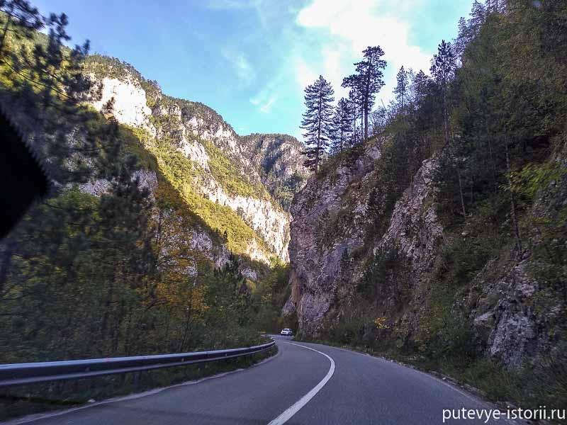 на машине по черногории