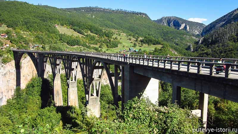 на машине по черногории. мост джурджевича