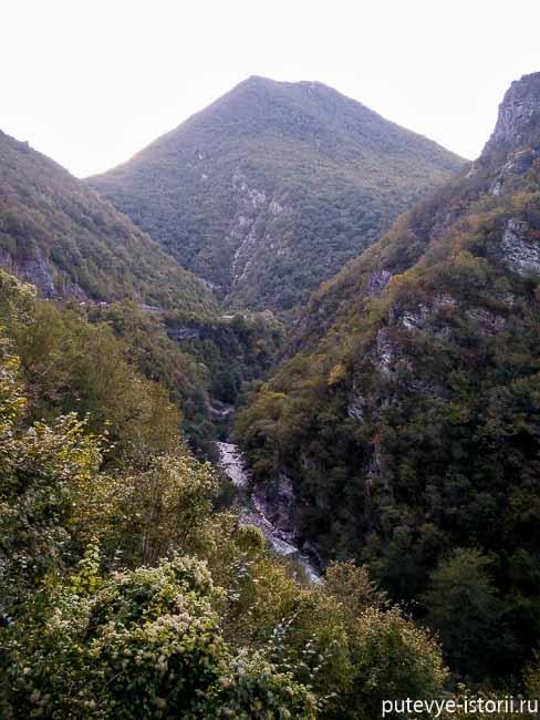 на машине по черногории, каньон морача
