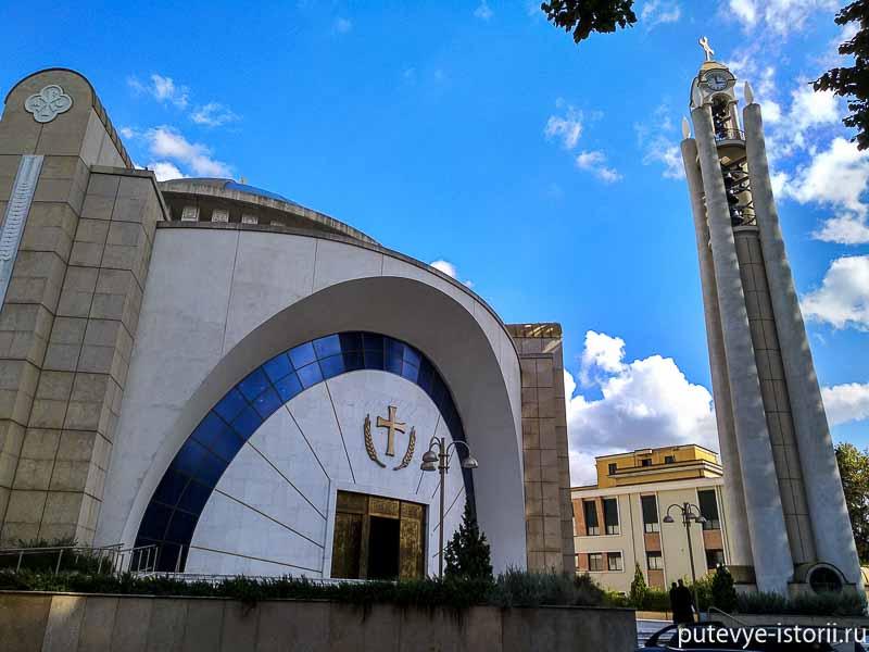 Тирана, храм воскресения Господня