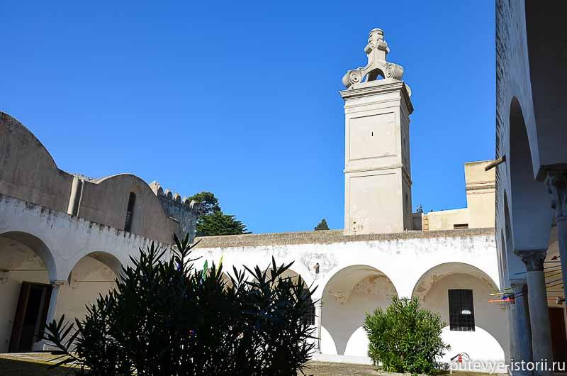 капри монастырь