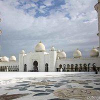 Большая мечеть Шейха Зайда в Абу-Даби