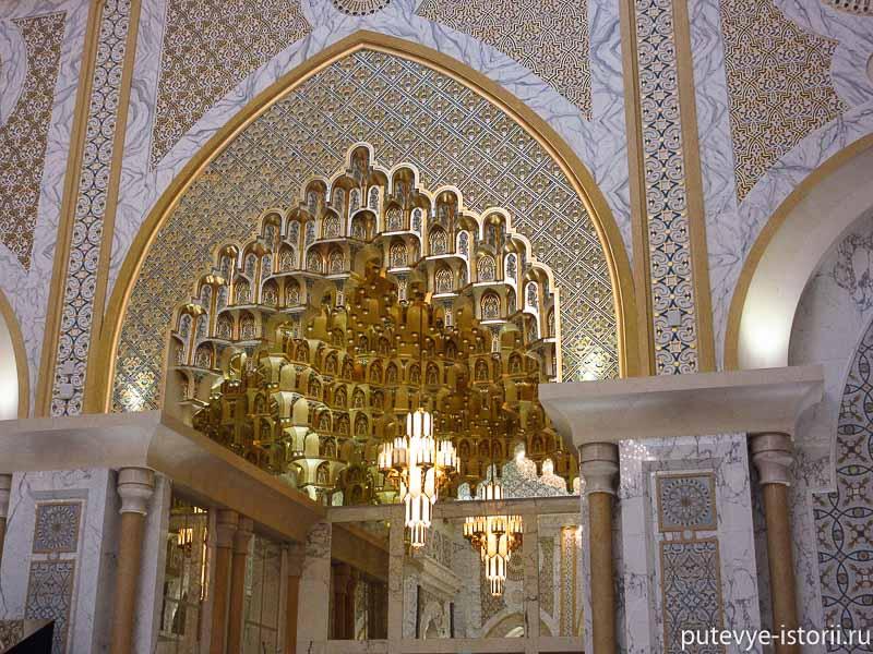 дворец в абу-даби