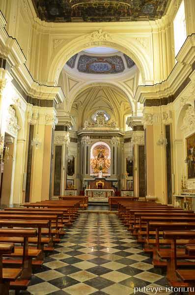 сорренто церковь делле кармине