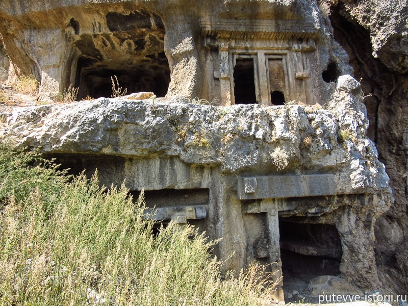 тлос гробницы