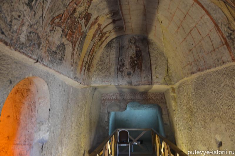 змеиная церковь гереме