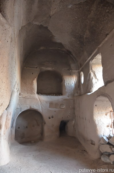 белисырма церковь с колоннами